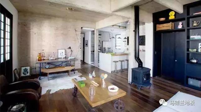 工业风格搭配深色木地板