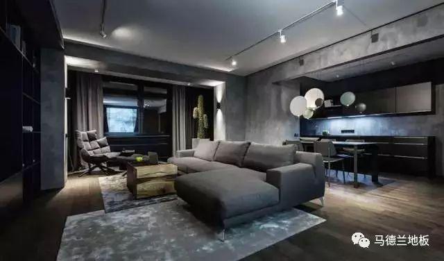 黑灰冷色调的木地板