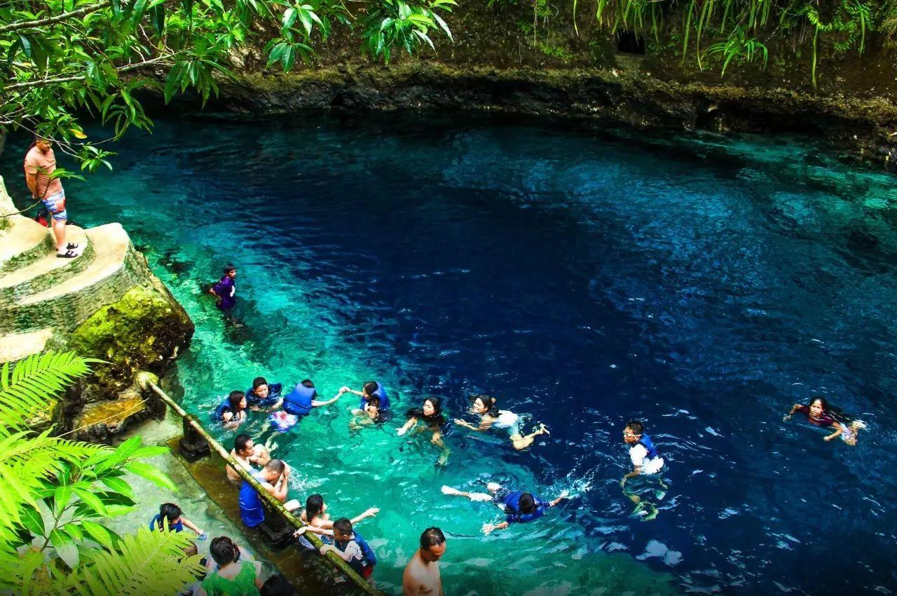 全球20个绝美泳池:穿上泳衣 跳进仙境里吧