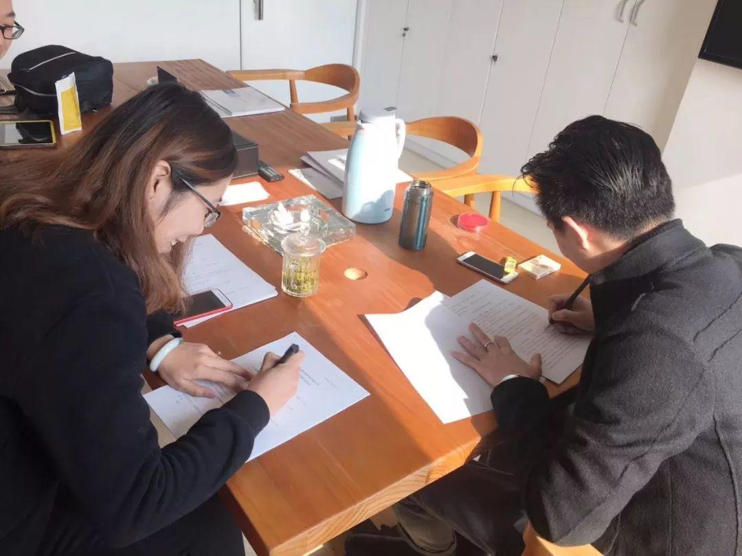 热烈祝贺王总、张总夫妇签约创绿家济南市区级代理!