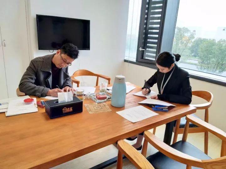 热烈祝贺吕总团队签约创绿家安徽省县级市代理!