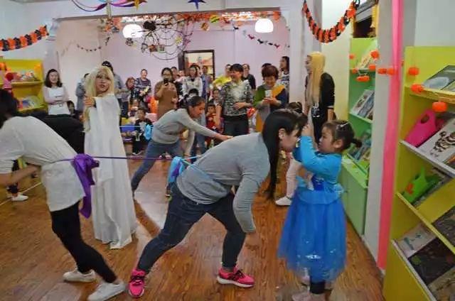 万圣节活动,万圣节亲子活动,爱爱读读亲子活动,绘本馆亲子活动,绘本馆万圣节活动,绘本馆狂欢活动
