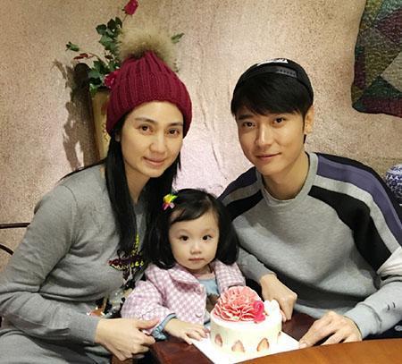 张丹峰与洪欣的女儿,大名张晞彤